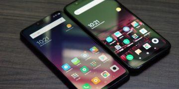 Foto do Xiaomi Mi 8 Lite ao lado do Xiaomi Mi 8