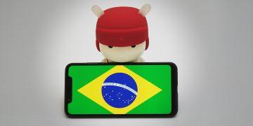 Mascote da Xiaomi com bandeira do Brasil